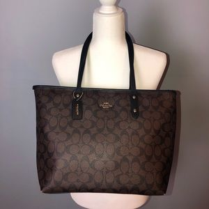 COACH Handbag/Shoulder Tote